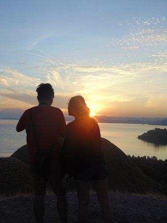 Komodo Island Tour: Sunsrice from Sylvia Hill