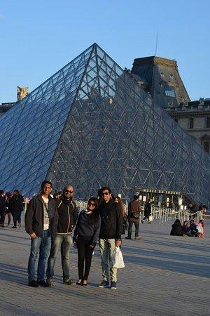 Louvres, فرنسا: PARIS TRIP APRIL 2017