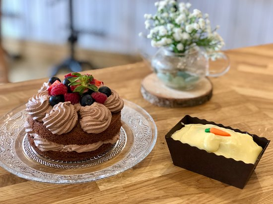 Mini Loaf Carrot Cake And Chocolate Cake To Share Picture Of Strawberry Hill Farm Camping Caravan Park And Tea Room Durham Tripadvisor