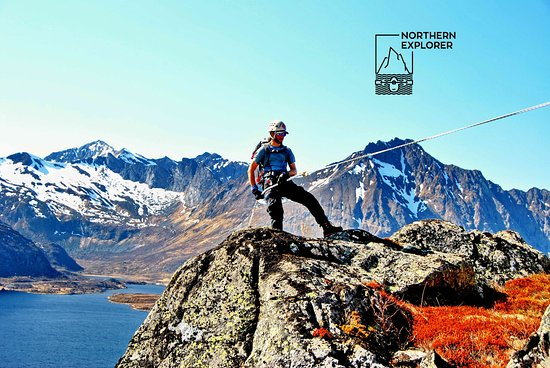 Lofoten Islands, Noruega: Rappeling in Eggum