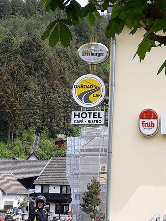 Adenau, Alemania: Aussenwerbung