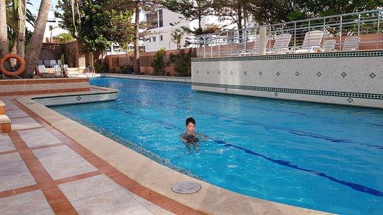 Hotel Kamal: Piscine