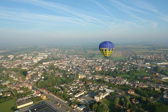 Gisors, France: Survol de Gournay en Bray en montgolfière, Picardie