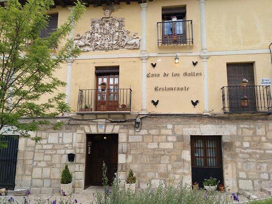 Restaurante Casa de los Gallos: fachada del restaurante