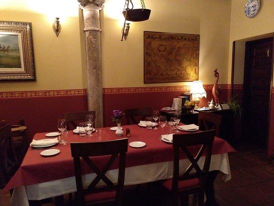 Restaurante Casa de los Gallos: Detalle del salón