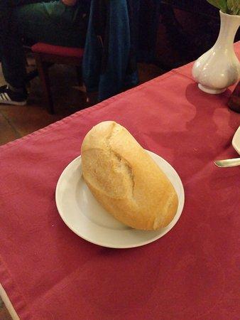 Restaurante Casa de los Gallos: Panecillo a 1 €uro