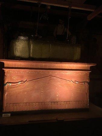 Tutankhamun Exhibition: Lifting Sarcophogus