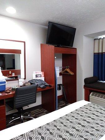 Microtel Inn & Suites by Wyndham Manistee: 0512181554b_large.jpg