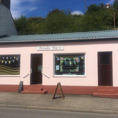 Avoch, UK: Brenda May's pop-up cafe on a sunny day