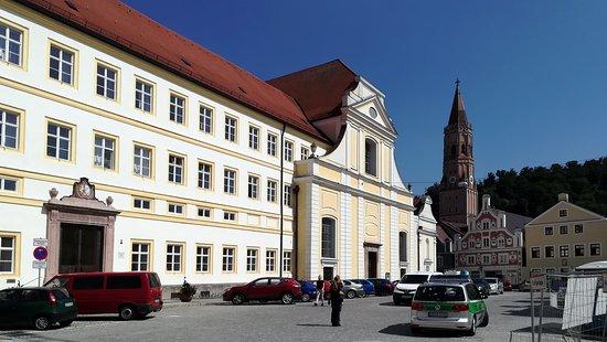 DominikanerkircheSt. Blasiusam Regierungsplatz inLandshut