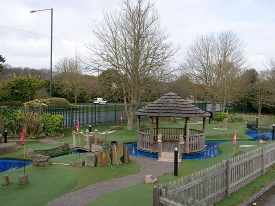 Maidenhead Mini-Golf Overview