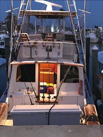 Fort Pierce, FL: Fishing a bigger boat ! Full AC fish in style