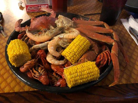 Harvey, LA: Cajun seafood platter - $39,95