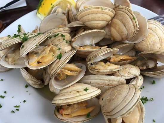 Linnane's Lobster Bar: wild clams