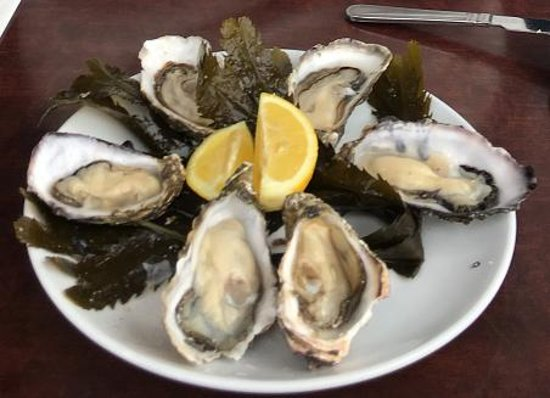 Linnane's Lobster Bar: freshly shucked Galway oysters