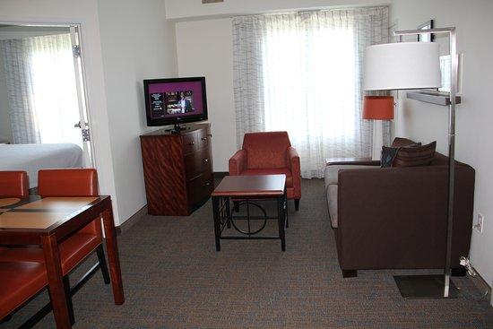 Sebring, FL: Living room area of a 2 bedroom suite