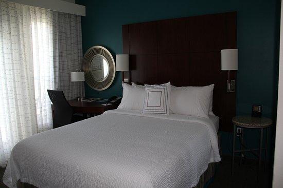 Sebring, FL: Bedroom 2 - queen bed - with a BALCONY!