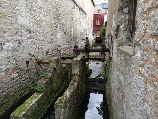 La Fosse Dionne : Ancien moulin rue des Tanneries