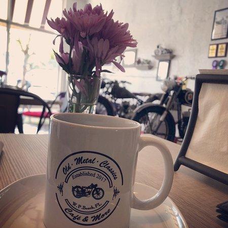 Old Metal Classics: Vintage motorcycle cafè..