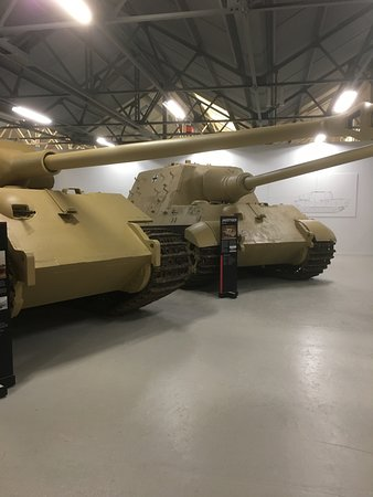 The Tank Museum: Panther. Jagtiger
