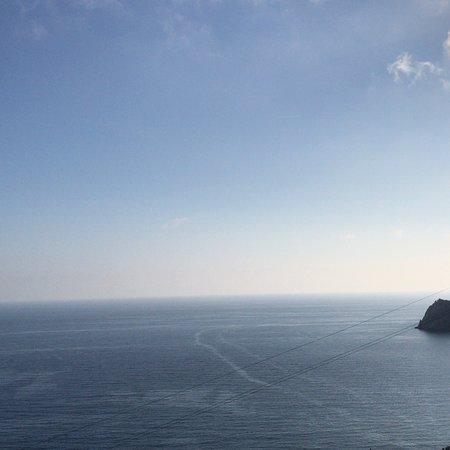Foto de La Serra sul Mare