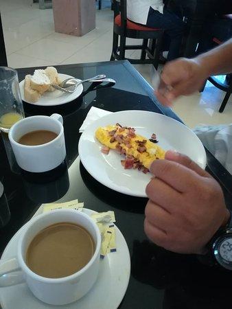 Hotel El Espanol Paseo de Montejo: IMG_20180513_104118_large.jpg