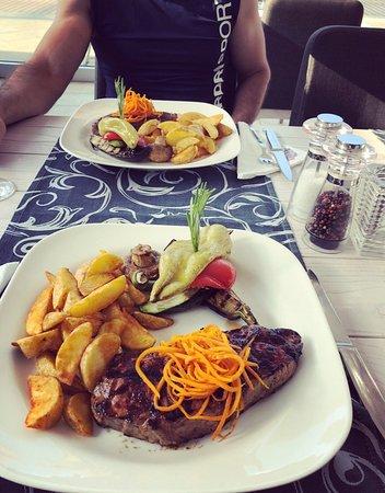 American Grill Restaurant & Bar: IMG-a9f3d0d4a386200026980e9d0e7f2d72-V_large.jpg
