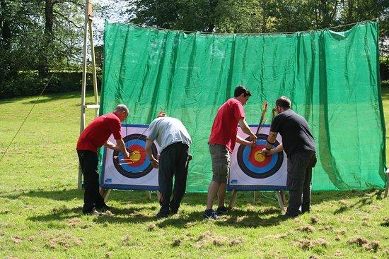 Sheffield, UK: Archery at the Kenwood Hall Hotel
