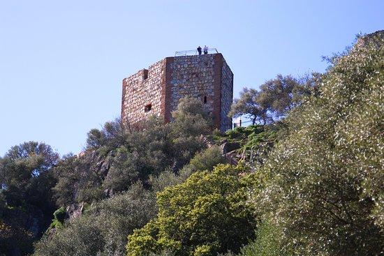 Cáceres, Espagne : Castillo de Monfagüe | Parque Nacional de Monfragüe, Extremadura, Spain