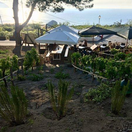 Area balneabile di pollara isola di salina italy for Salina sicily things to do