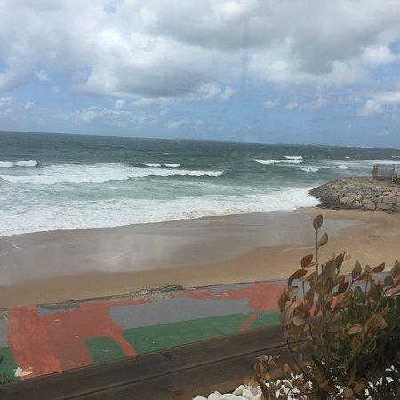 Areia Branca, Πορτογαλία: A renovada Pizzaria da Praia tem uma vista soberba da praia e do mar