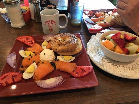 Foto de Toasted Mango Cafe