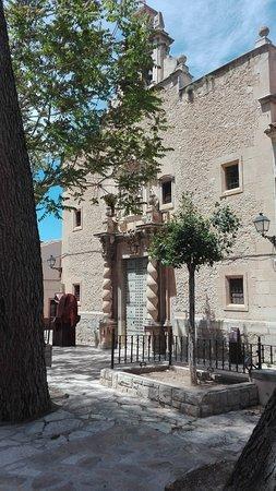 Iglesia Arciprestal de la Asunción: Antiguo convento de las Monjas Agustinas, hoy cerrado.