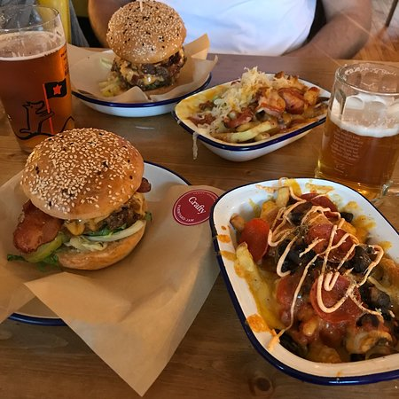 Crafty Burger Photo