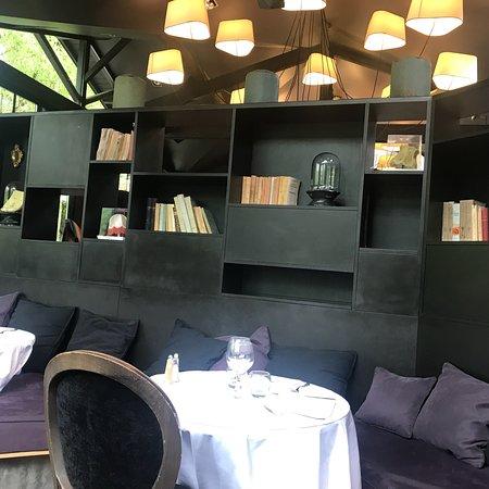 Solaize, France : Décoration de la salle intérieure
