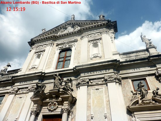 Alzano Lombardo, Italy: facciata