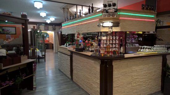 Dettingen an der Erms, Almanya: Le comptoir bar