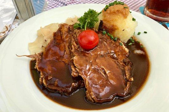 Loewenbraeu: Rôti de porc, chou et quenelle de pomme de terre
