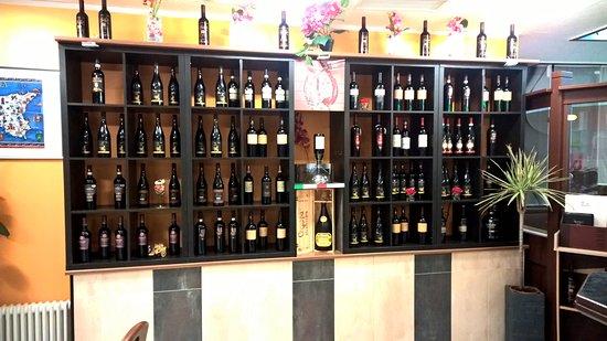 Dettingen an der Erms, Tyskland: Les grands vins italiens