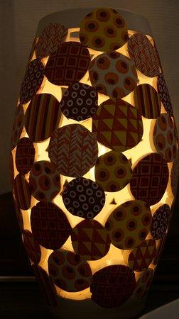 Moux-en-Morvan, France : lampe ambiance