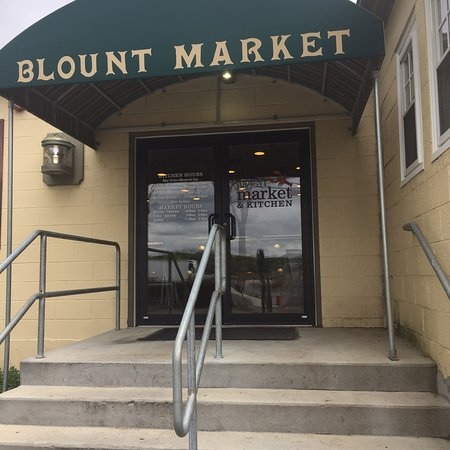 ‪Blount Market & Kitchen‬