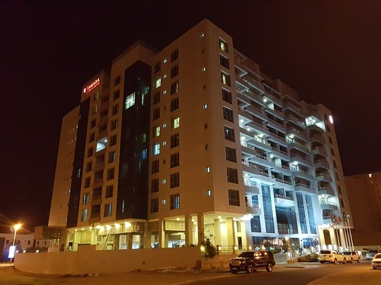 جزر أمواج, البحرين: Ramada Hotel and Suites Amwaj Islands