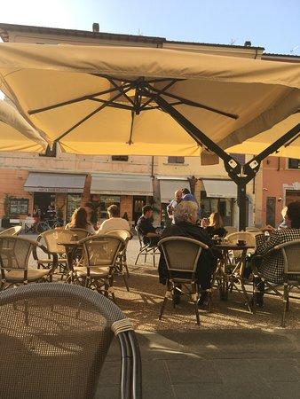 Bar Michelangelo: Heerlijke parasols voor bescherming tegen de zon