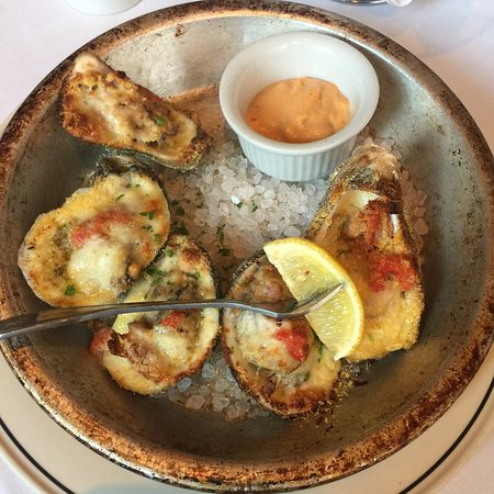 The Pelican Club: Broiled Oysters
