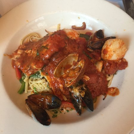The Pelican Club: Seafood Cioppino