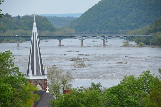 Harpers Ferry National Historical Park: View from Jefferson Rock