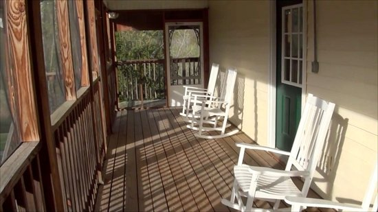 Covington, VA: Screened Porch - Upper Level
