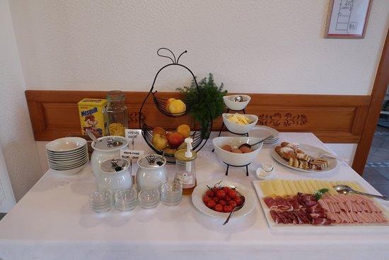 Pivka, Słowenia: breakfast
