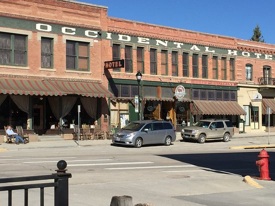 Búfalo, WY: Standing outside the Occidental Hotel Buffalo Wyoming