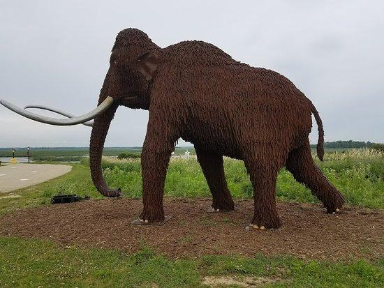 Mayville, WI: Mammoth made of rebar